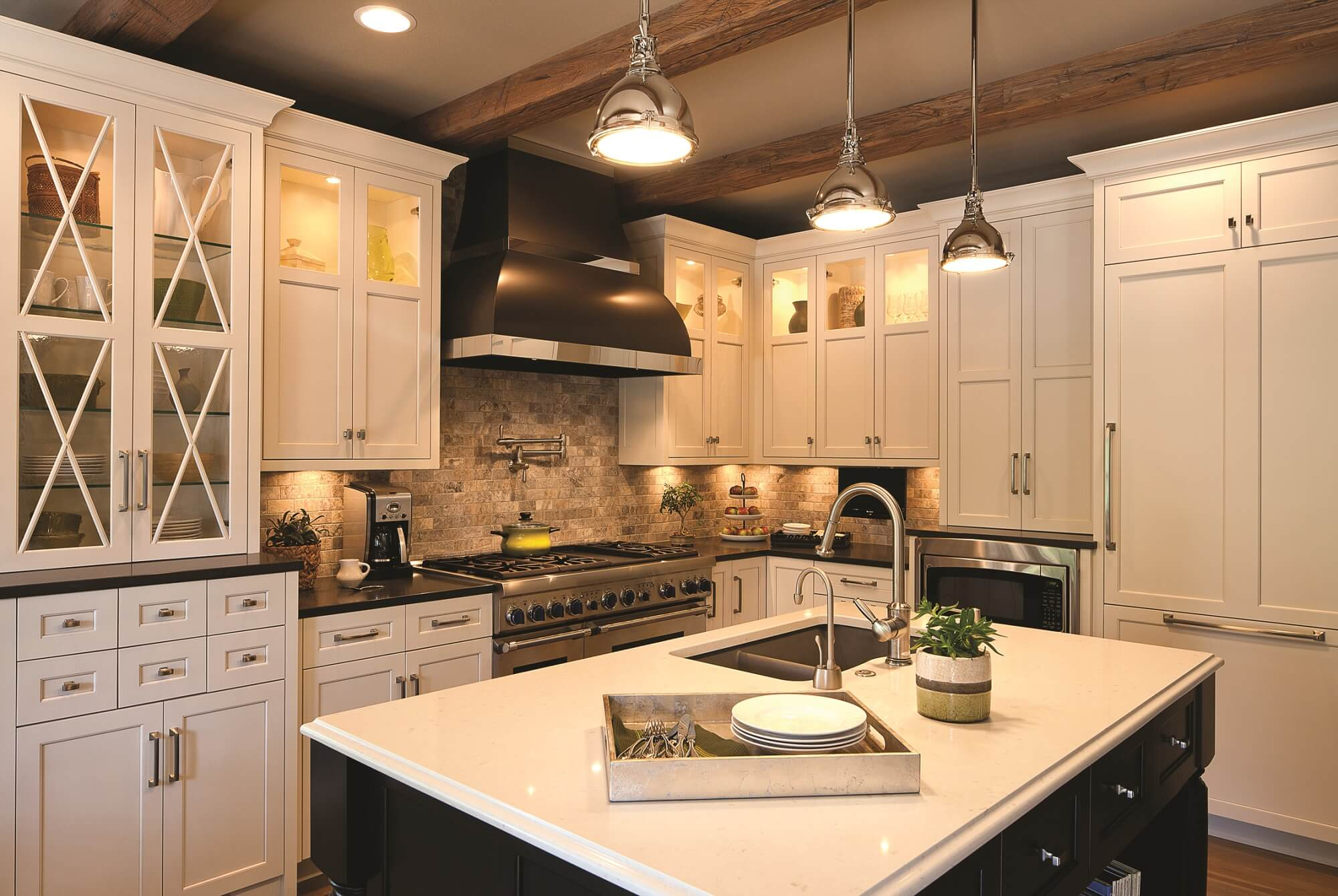 Reynolds design remodeling kitchens bathrooms more for Bath remodel lincoln ne